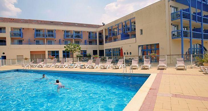 Vue-piscine-du-programme